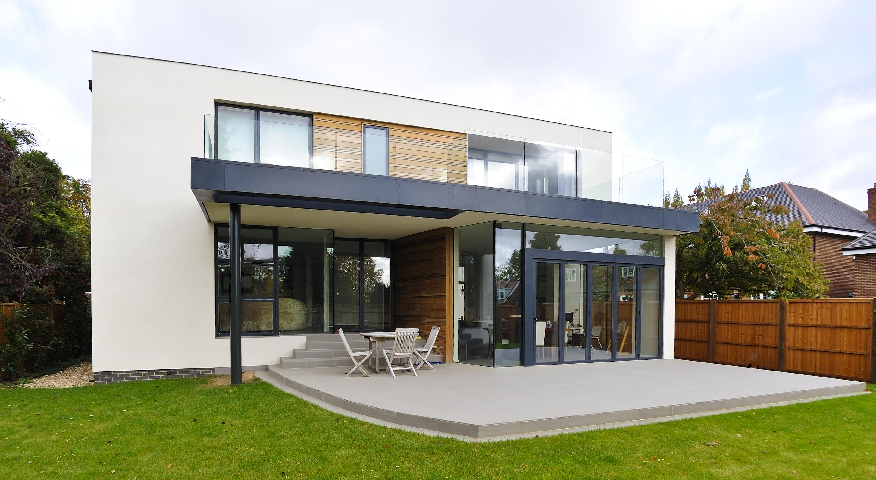 Contemporary new build house kate stoddart architect for Modern house uk
