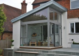 Contemporary glass extension